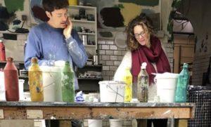 Fredrik Linge og Sigrid Juel har gode erfaringer med linoljemaling.